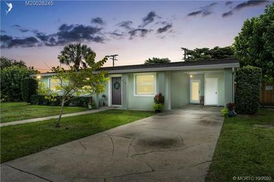 858 SE 13TH ST, Stuart, FL 34994 - Photo 1