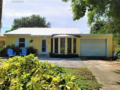 1940 DOFFER LN, North Palm Beach, FL 33408 - Photo 2