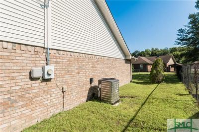 118 THORNBRIAR DR, Hinesville, GA 31313 - Photo 2