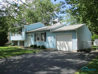 7338 STARLIGHT RD, Perrysburg, OH 43551 - Photo 2