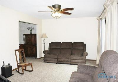 1230 PARKGLEN CT, Toledo, OH 43615 - Photo 2