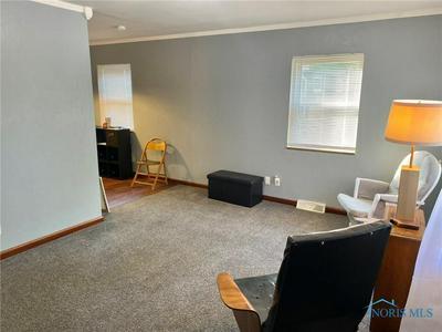 5540 FENWICK DR, Toledo, OH 43623 - Photo 2