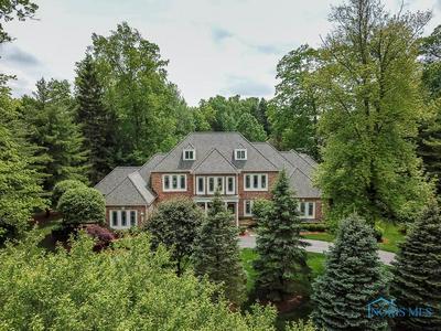 4509 WOODHILL RD, Ottawa Hills, OH 43615 - Photo 1