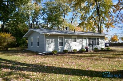 5640 ACRES RD, Sylvania, OH 43560 - Photo 2