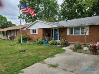 2318 WASHINGTON AVE, Findlay, OH 45840 - Photo 2