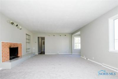 518 W LINCOLN ST, Findlay, OH 45840 - Photo 2