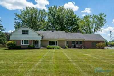 109 W BARRE RD, Archbold, OH 43502 - Photo 2