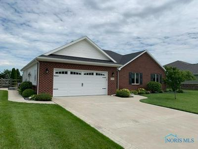 108 PINEVIEW DR, Oregon, OH 43616 - Photo 1