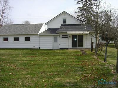 918 KARNES AVE, Defiance, OH 43512 - Photo 2