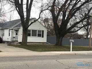 126 W LINFOOT ST, Wauseon, OH 43567 - Photo 1