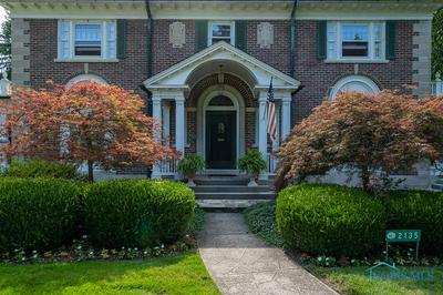 2135 HAWTHORNE RD, Ottawa Hills, OH 43606 - Photo 2
