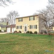 543 CAMBRIDGE PARK S, Maumee, OH 43537 - Photo 2