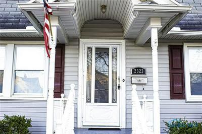 2323 CHARLESTOWN AVE, Toledo, OH 43613 - Photo 2