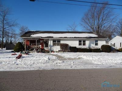 407 N BRUNELL ST, Wauseon, OH 43567 - Photo 1