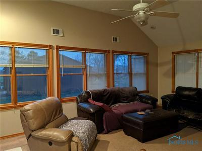 5914 SEAMAN RD, Oregon, OH 43616 - Photo 2