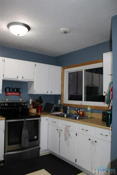 512 SMITH ST, FOREST, OH 45843 - Photo 2