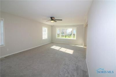 1476 LOGAN LN, PERRYSBURG, OH 43551 - Photo 2