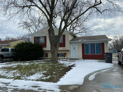 4049 HILL AVE, Toledo, OH 43607 - Photo 2