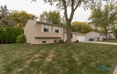 215 SOUTHWOOD DR, Perrysburg, OH 43551 - Photo 2