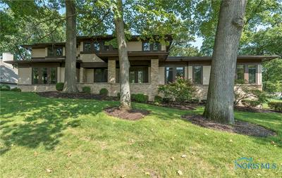 9030 OAK VALLEY RD, Holland, OH 43528 - Photo 2
