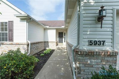 5937 BROOKESTONE VILLAGE LN, Sylvania, OH 43560 - Photo 2