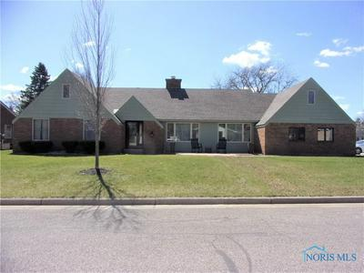 725 CRESTVIEW AVE, BRYAN, OH 43506 - Photo 1