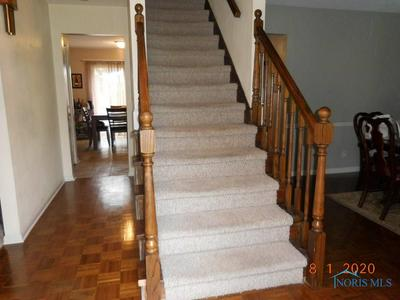 7071 CANNONS PARK RD, Toledo, OH 43617 - Photo 2