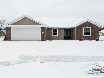 1408 FIELDSTONE DR, Bryan, OH 43506 - Photo 1