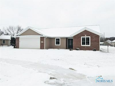 1408 FIELDSTONE DR, Bryan, OH 43506 - Photo 2