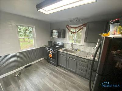 5118 SEAMAN RD, Oregon, OH 43616 - Photo 2