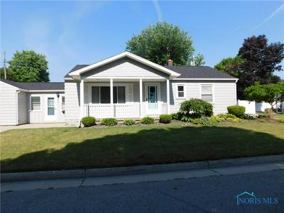 205 DEGROFF AVE, Archbold, OH 43502 - Photo 2