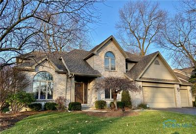 8256 COUNTRY BROOK DR, Holland, OH 43528 - Photo 2