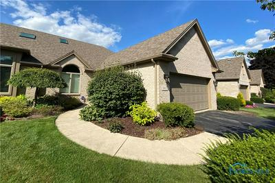 8612 STONE OAK DR, Holland, OH 43528 - Photo 1