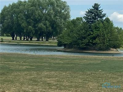 7618 TOURNAMENT DR, Waterville, OH 43566 - Photo 2