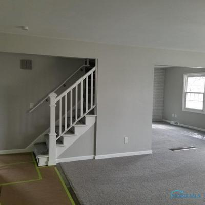 297 WAKEFIELD PL, Oregon, OH 43616 - Photo 2
