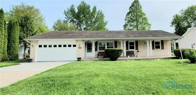 909 LIBERTY DR, Waterville, OH 43566 - Photo 2
