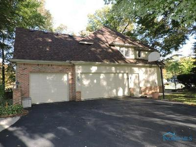 527 SPRING LAKE PT, Holland, OH 43528 - Photo 2