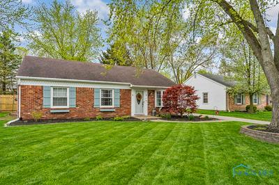 15 MOUNT VERNON DR, Waterville, OH 43566 - Photo 2