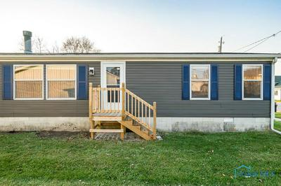 415 W STONE ST, Gibsonburg, OH 43431 - Photo 2