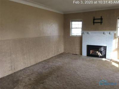309 MIDDLE ST, ARCHBOLD, OH 43502 - Photo 2