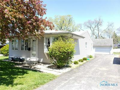 109 ELMWOOD RD, Walbridge, OH 43465 - Photo 2