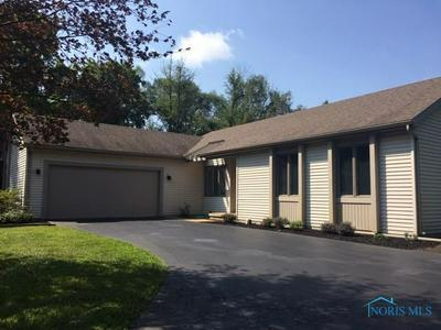 215 N KING RD, Holland, OH 43528 - Photo 1