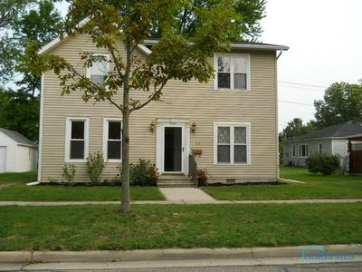 712 STRONG ST, Napoleon, OH 43545 - Photo 2