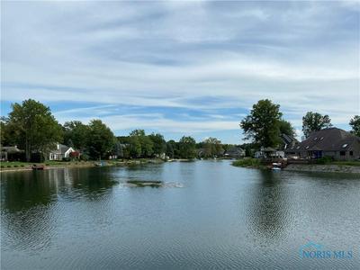 557 SPRING LAKE PT, Holland, OH 43528 - Photo 2