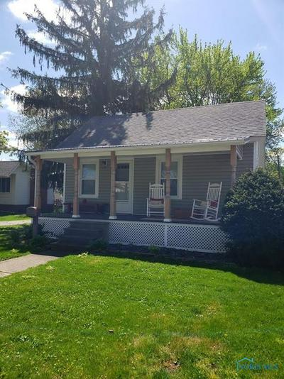 230 E CHESTNUT ST, Wauseon, OH 43567 - Photo 2