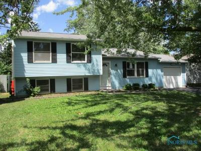 7338 STARLIGHT RD, Perrysburg, OH 43551 - Photo 1