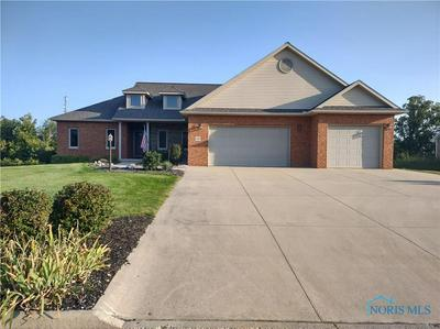1330 HOLLOW TREE DR, Findlay, OH 45840 - Photo 1