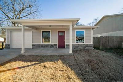 524 S MARYLAND AVE, Claremore, OK 74017 - Photo 1