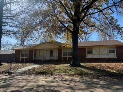 1703 N WILLOW DR, Claremore, OK 74017 - Photo 1