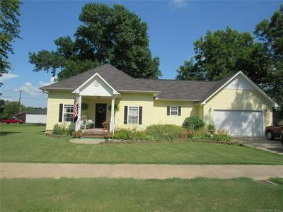 311 NW 1ST ST, Checotah, OK 74426 - Photo 2